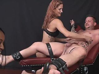 Quick Jackings - Small Cock Pops Load Prematurely For Hot Babe