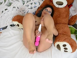 HD Cute Asian Feet and Hitachi Quickie