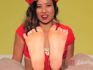Holiday wrinkled sole foot fetish JOI w/ Asian Mistress Lucy Khan