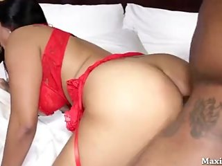 Latin Girl in Squirting hard in Vegas