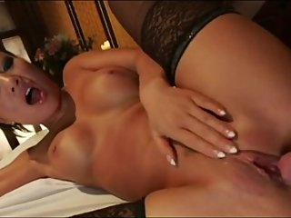 Masseuse Asa Akira gets creampie from her massage client