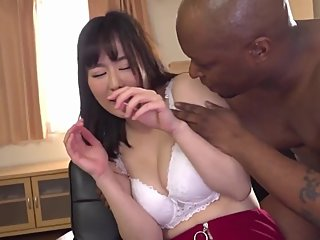 Japanese girlfriend prefers the BIG Cock of this Black foreigner (BMAF)